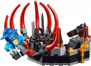 Конструктор LEGO Nexo Knights Робот Чорного лицаря