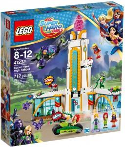 Конструктор  LEGO DC Super Hero Girls Школа супергероїв