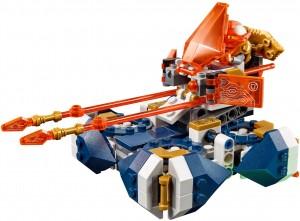 Конструктор  LEGO Nexo Knights Підйомна боємашина Ланса