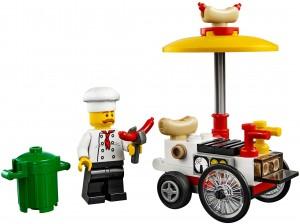 Конструктор LEGO City Ятка з хот-догами