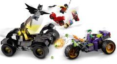 Конструктор LEGO® DC Бетмен і переслідування триколісного мотоцикла Джокера